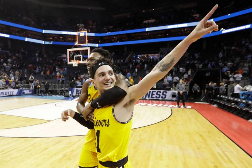 10275951_web1_ncaa-umbc-virginia-basketball_4498991